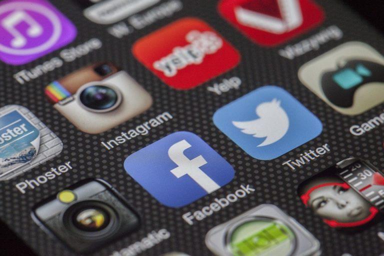 quien stalkea tu facebook e instagram